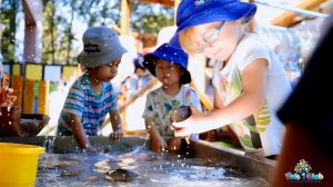 5 interesting benefits of Water Play in Early Childhood