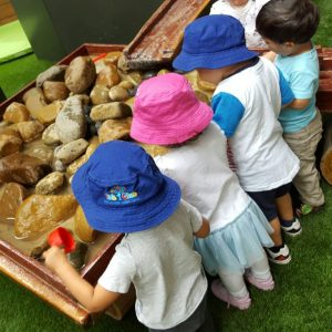 5 interesting benefits of water play in early childhood development